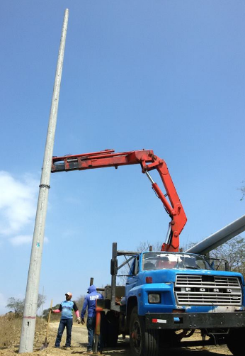 http://lasolasecuador.com/wp-content/uploads/2016/04/Electric-poles-installed.png